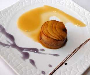 Capón con foie y manzana